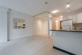 """Photo 6: 910 939 HOMER Street in Vancouver: Yaletown Condo for sale in """"THE PINNACLE"""" (Vancouver West)  : MLS®# R2512936"""