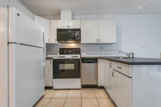 """Photo 4: 910 939 HOMER Street in Vancouver: Yaletown Condo for sale in """"THE PINNACLE"""" (Vancouver West)  : MLS®# R2512936"""