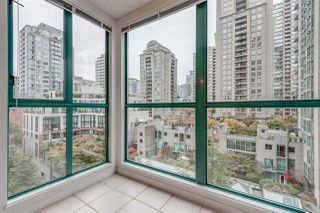 """Photo 10: 910 939 HOMER Street in Vancouver: Yaletown Condo for sale in """"THE PINNACLE"""" (Vancouver West)  : MLS®# R2512936"""