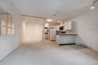 """Photo 12: 910 939 HOMER Street in Vancouver: Yaletown Condo for sale in """"THE PINNACLE"""" (Vancouver West)  : MLS®# R2512936"""