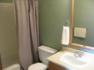 Photo 10: Charming 4 Bedroom Bungalow
