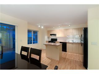 "Photo 7: 7 2351 PARKWAY Boulevard in Coquitlam: Westwood Plateau Townhouse for sale in ""WIND DANCE"" : MLS®# V960053"