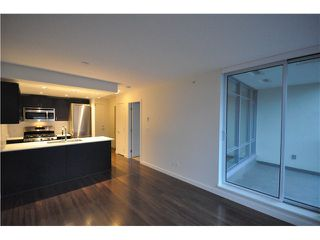 """Photo 2: 608 4888 NANAIMO Street in Vancouver: Knight Condo for sale in """"2300 Kingsway"""" (Vancouver East)  : MLS®# V982391"""