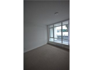 """Photo 3: 608 4888 NANAIMO Street in Vancouver: Knight Condo for sale in """"2300 Kingsway"""" (Vancouver East)  : MLS®# V982391"""