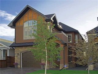 Main Photo: 61 7 Street NE in CALGARY: Bridgeland Residential Detached Single Family for sale (Calgary)  : MLS®# C3574714