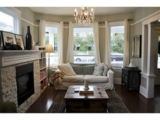 Photo 2: 231 E 4TH ST in North Vancouver: Lower Lonsdale House for sale : MLS®# V1030021