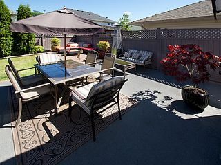 Photo 2: 6300 CRESCENT Place in Ladner: Holly House for sale : MLS®# V1074512