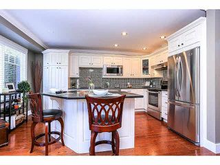 """Photo 8: 15053 27A Avenue in Surrey: Sunnyside Park Surrey Townhouse for sale in """"DAVENTRY"""" (South Surrey White Rock)  : MLS®# F1421884"""