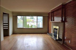 Photo 3: 1526 COMO LAKE AVENUE in Coquitlam: Condo for sale : MLS®# R2057222