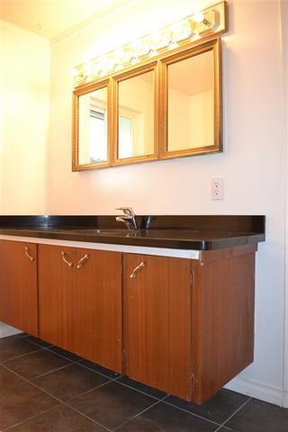 Photo 8: 1526 COMO LAKE AVENUE in Coquitlam: Condo for sale : MLS®# R2057222