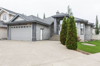 Main Photo: 208 LINDSAY Crescent in Edmonton: Zone 14 House for sale : MLS®# E4165363