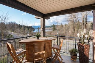 "Photo 13: 205 700 KLAHANIE Drive in Port Moody: Port Moody Centre Condo for sale in ""Boardwalk"" : MLS®# R2443143"