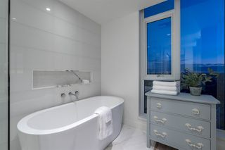 """Photo 24: 3201 1499 W PENDER Street in Vancouver: Coal Harbour Condo for sale in """"West Pender Place"""" (Vancouver West)  : MLS®# R2466343"""