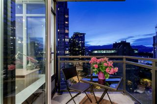 "Photo 20: 1005 1211 MELVILLE Street in Vancouver: Coal Harbour Condo for sale in ""THE RITZ"" (Vancouver West)  : MLS®# R2474482"
