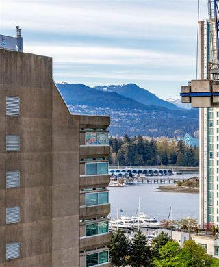"Photo 21: 1005 1211 MELVILLE Street in Vancouver: Coal Harbour Condo for sale in ""THE RITZ"" (Vancouver West)  : MLS®# R2474482"