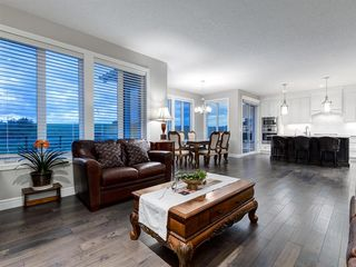 Photo 6: 194 VALLEY POINTE Way NW in Calgary: Valley Ridge Detached for sale : MLS®# A1011766
