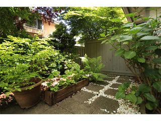 """Photo 10: # 8 8091 JONES RD in Richmond: Brighouse South Townhouse for sale in """"LEIGHTON COURT"""" : MLS®# V1012740"""