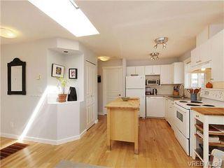 Photo 3: 405 445 Cook St in VICTORIA: Vi Fairfield West Condo for sale (Victoria)  : MLS®# 646008