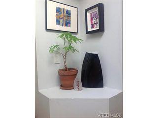 Photo 6: 405 445 Cook St in VICTORIA: Vi Fairfield West Condo for sale (Victoria)  : MLS®# 646008