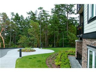 Photo 17: 207 286 Wilfert Rd in VICTORIA: VR Six Mile Condo Apartment for sale (View Royal)  : MLS®# 647960