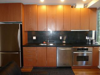"Photo 12: 613 1333 W GEORGIA Street in Vancouver: Coal Harbour Condo for sale in ""Qube"" (Vancouver West)  : MLS®# V1024937"