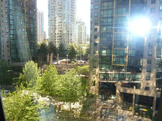 "Photo 21: 613 1333 W GEORGIA Street in Vancouver: Coal Harbour Condo for sale in ""Qube"" (Vancouver West)  : MLS®# V1024937"