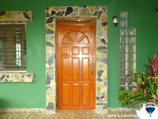 Photo 2: Gorgeous 4 Bedroom House in La Chorrera, Panama
