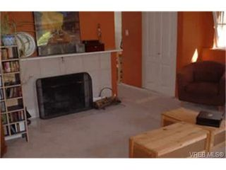 Photo 5: 630 Baker St in VICTORIA: SW Glanford Single Family Detached for sale (Saanich West)  : MLS®# 337520