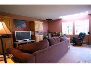 Photo 2: 10 400 Culduthel Road in VICTORIA: SW Gateway Townhouse for sale (Saanich West)  : MLS®# 199461