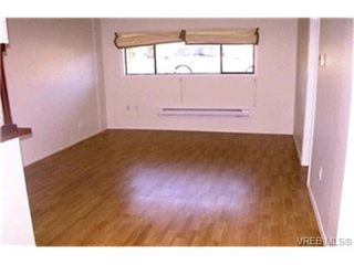 Photo 6: 1860 Chimo Place in VICTORIA: SE Lambrick Park Strata Duplex Unit for sale (Saanich East)  : MLS®# 212081