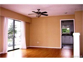 Photo 4: 1860 Chimo Place in VICTORIA: SE Lambrick Park Strata Duplex Unit for sale (Saanich East)  : MLS®# 212081