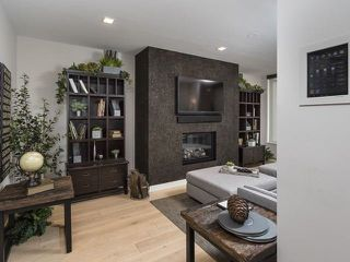 Photo 3: 500 Wellington St W Unit #402 in Toronto: Waterfront Communities C1 Condo for sale (Toronto C01)  : MLS®# C3602627