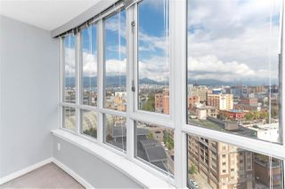 Photo 12: 1607 63 KEEFER PLACE in Vancouver: Downtown VW Condo for sale (Vancouver West)  : MLS®# R2304537