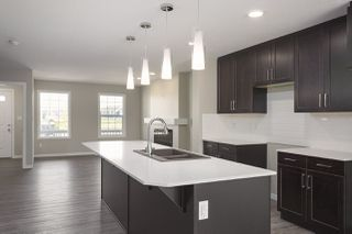 Photo 4: 1233 CHAPPELLE Boulevard in Edmonton: Zone 55 House for sale : MLS®# E4174461
