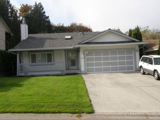 Photo 2: 12379 EDGE STREET in MAPLE RIDGE: Home for sale