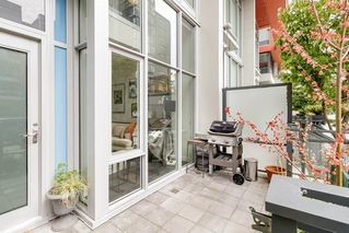 """Photo 2: 127 E 1ST Avenue in Vancouver: Mount Pleasant VE Townhouse for sale in """"BLOCK 100"""" (Vancouver East)  : MLS®# R2483254"""