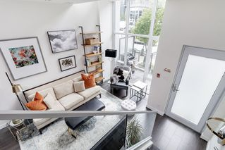 """Photo 4: 127 E 1ST Avenue in Vancouver: Mount Pleasant VE Townhouse for sale in """"BLOCK 100"""" (Vancouver East)  : MLS®# R2483254"""