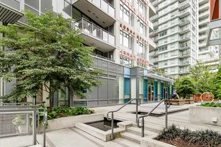 """Photo 31: 127 E 1ST Avenue in Vancouver: Mount Pleasant VE Townhouse for sale in """"BLOCK 100"""" (Vancouver East)  : MLS®# R2483254"""