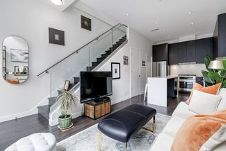 """Photo 6: 127 E 1ST Avenue in Vancouver: Mount Pleasant VE Townhouse for sale in """"BLOCK 100"""" (Vancouver East)  : MLS®# R2483254"""