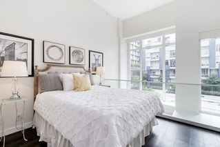 """Photo 22: 127 E 1ST Avenue in Vancouver: Mount Pleasant VE Townhouse for sale in """"BLOCK 100"""" (Vancouver East)  : MLS®# R2483254"""