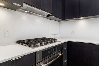 """Photo 14: 127 E 1ST Avenue in Vancouver: Mount Pleasant VE Townhouse for sale in """"BLOCK 100"""" (Vancouver East)  : MLS®# R2483254"""