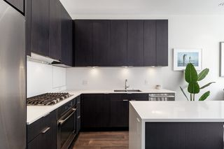 """Photo 15: 127 E 1ST Avenue in Vancouver: Mount Pleasant VE Townhouse for sale in """"BLOCK 100"""" (Vancouver East)  : MLS®# R2483254"""