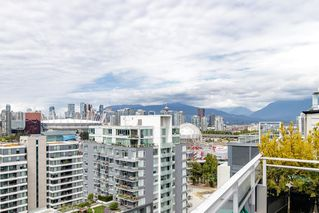 """Photo 29: 127 E 1ST Avenue in Vancouver: Mount Pleasant VE Townhouse for sale in """"BLOCK 100"""" (Vancouver East)  : MLS®# R2483254"""