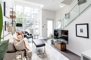 """Photo 26: 127 E 1ST Avenue in Vancouver: Mount Pleasant VE Townhouse for sale in """"BLOCK 100"""" (Vancouver East)  : MLS®# R2483254"""