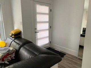 Photo 2: 2 10426 126 Street NW in Edmonton: Zone 07 House Half Duplex for sale : MLS®# E4211708