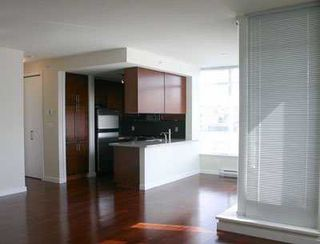 "Photo 3: 601 2055 YUKON ST in Vancouver: Mount Pleasant VW Condo for sale in ""MONTREUX"" (Vancouver West)  : MLS®# V582798"