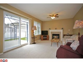 Photo 6: 6 6885 184TH Street in Surrey: Cloverdale BC Townhouse for sale (Cloverdale)  : MLS®# F1208414