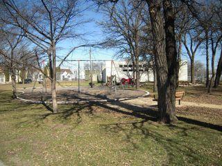 Photo 3: 362 Mandeville Street in WINNIPEG: St James Residential for sale (West Winnipeg)  : MLS®# 1308573