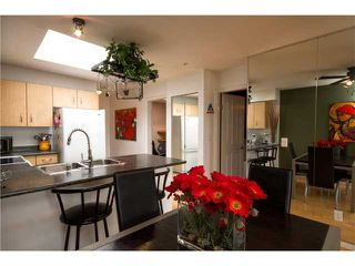"Photo 3: # 418 332 LONSDALE AV in North Vancouver: Lower Lonsdale Condo for sale in ""The Calypso"" : MLS®# V1010793"