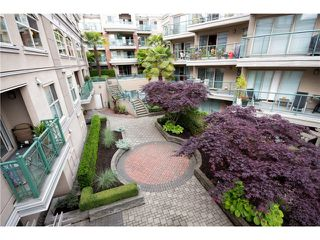 "Photo 2: # 418 332 LONSDALE AV in North Vancouver: Lower Lonsdale Condo for sale in ""The Calypso"" : MLS®# V1010793"